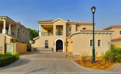 Rental Villa Jumeirah Golf Estate