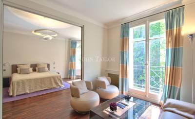 Sale Apartment Paris 8th