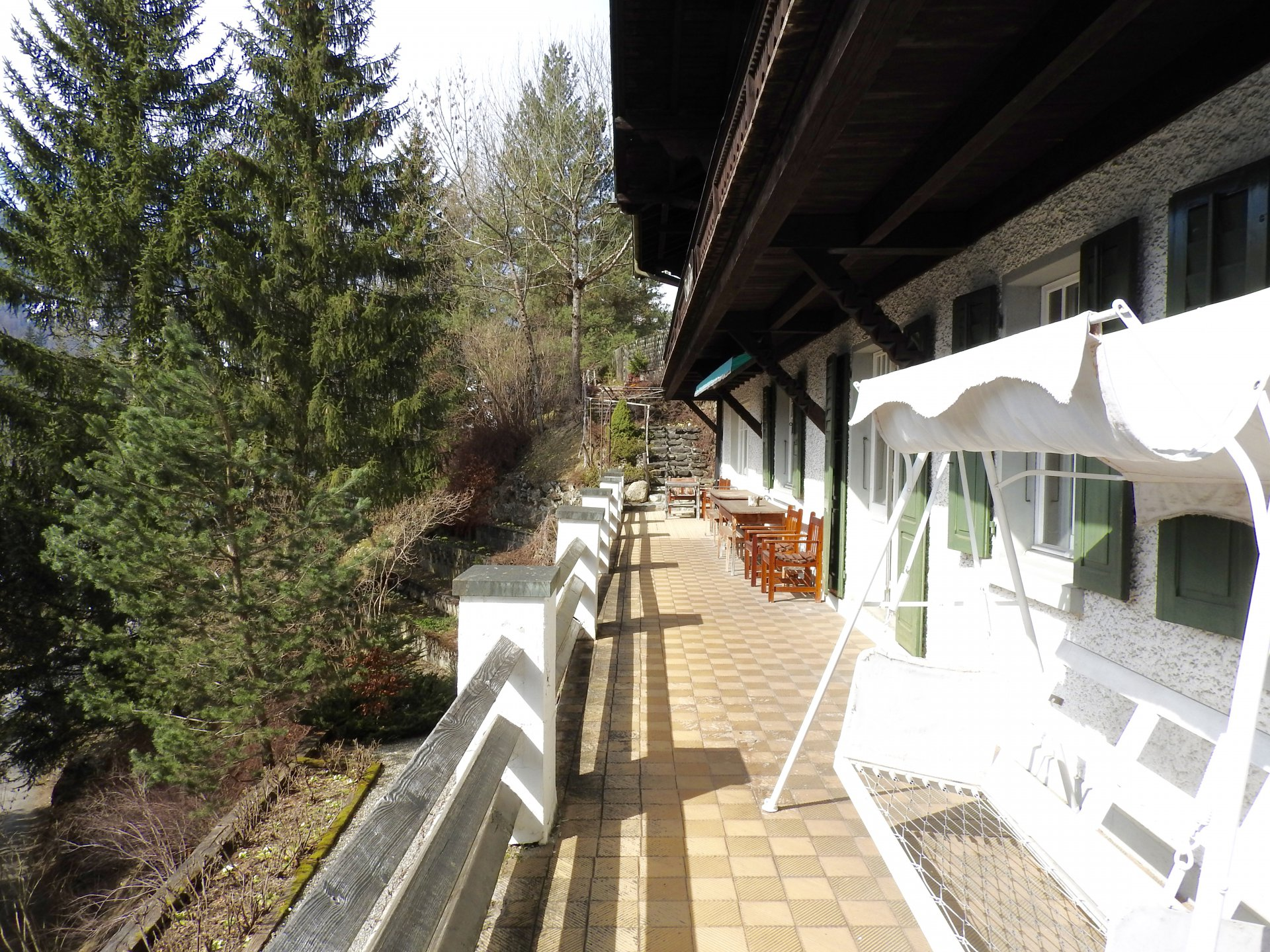 Ad sale chalet gstaad 3780 31 rooms john taylor for Swiss chalets for sale