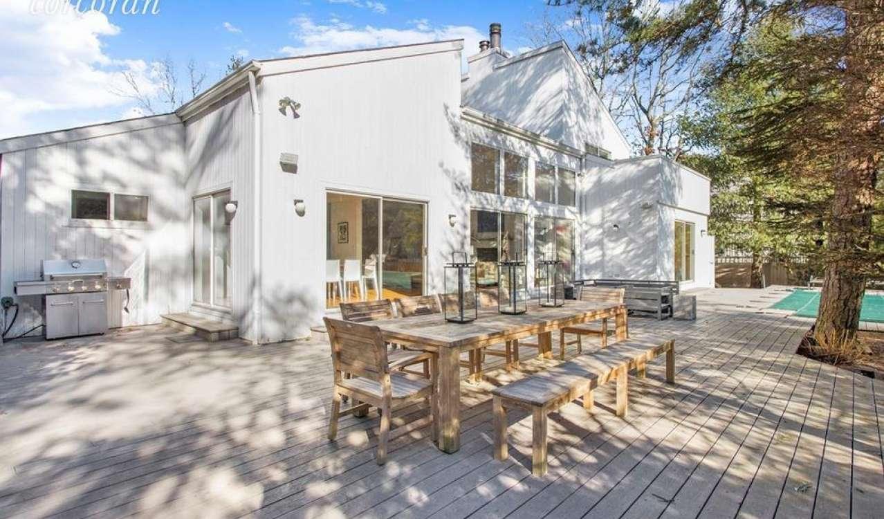 Sale House East Quogue