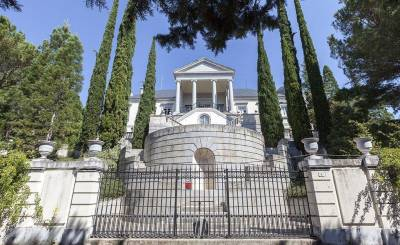 Sale Mansion Madrid