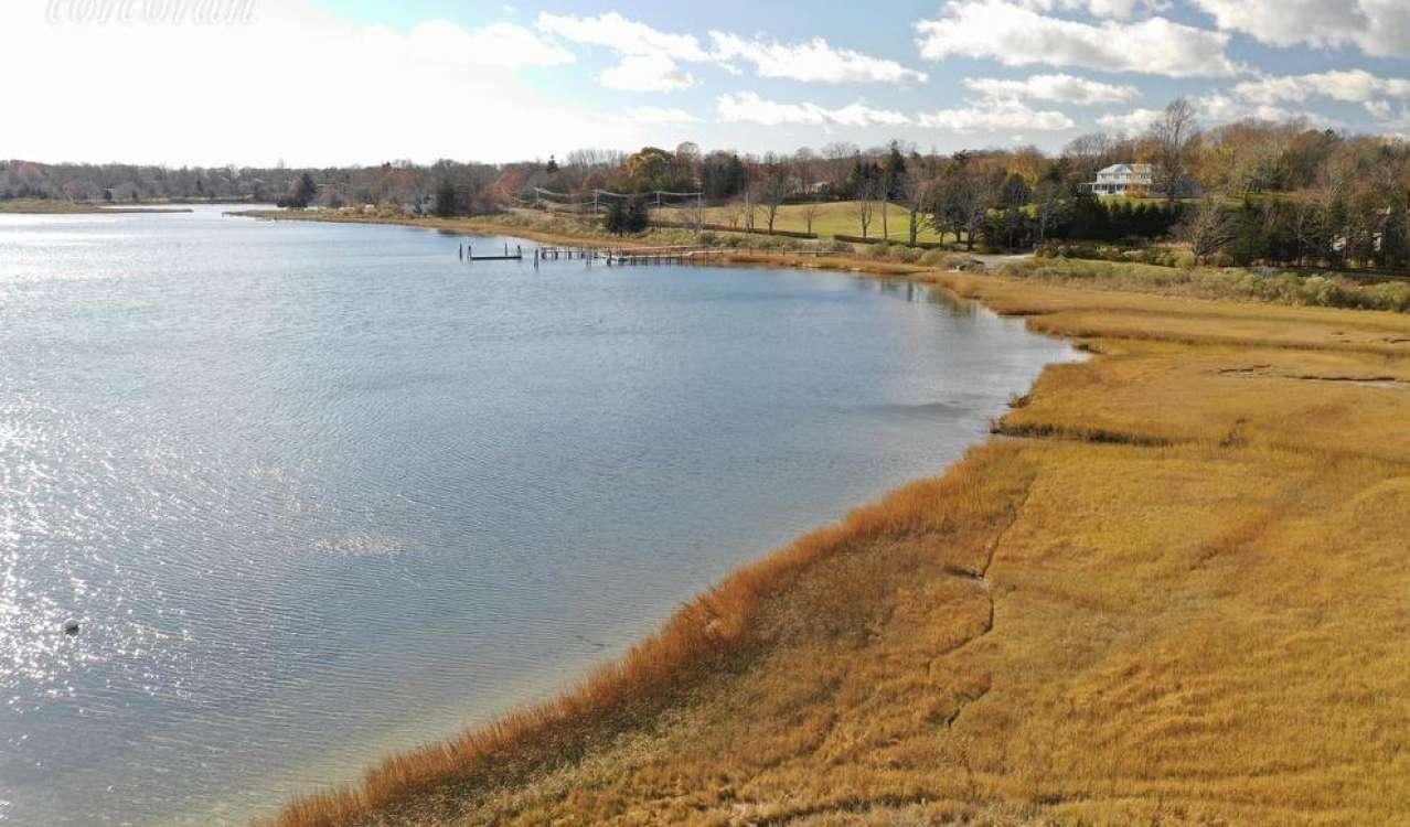 Sale Plot of land Shelter Island