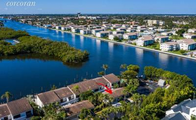 Sale Townhouse Ocean Ridge