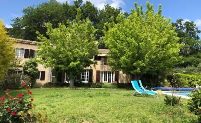 Seasonal rental House Aix-en-Provence