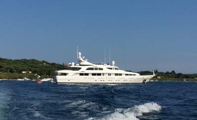Seasonal rental Motor Yacht Dénia