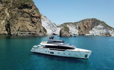 Seasonal rental Motor Yacht La Spezia