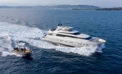 Seasonal rental Motor Yacht Mandelieu-la-Napoule