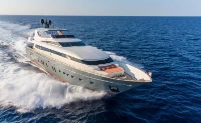 Seasonal rental Motor Yacht Saint-Tropez
