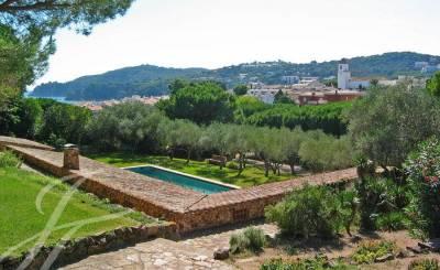 Seasonal rental Villa Girona