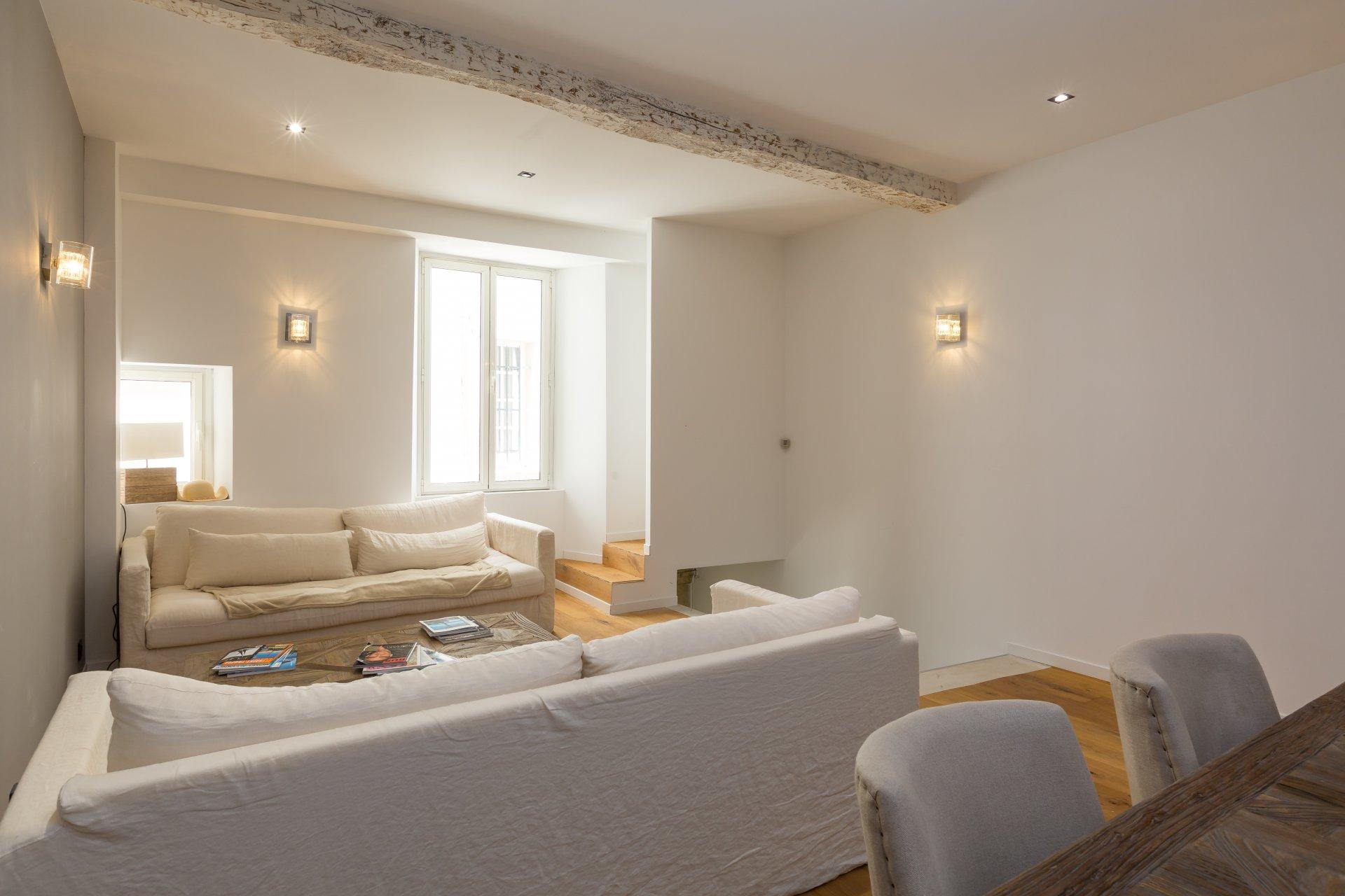 Annuncio vendita casa di paese saint tropez village 83990 for Case di cinque camere da letto in vendita