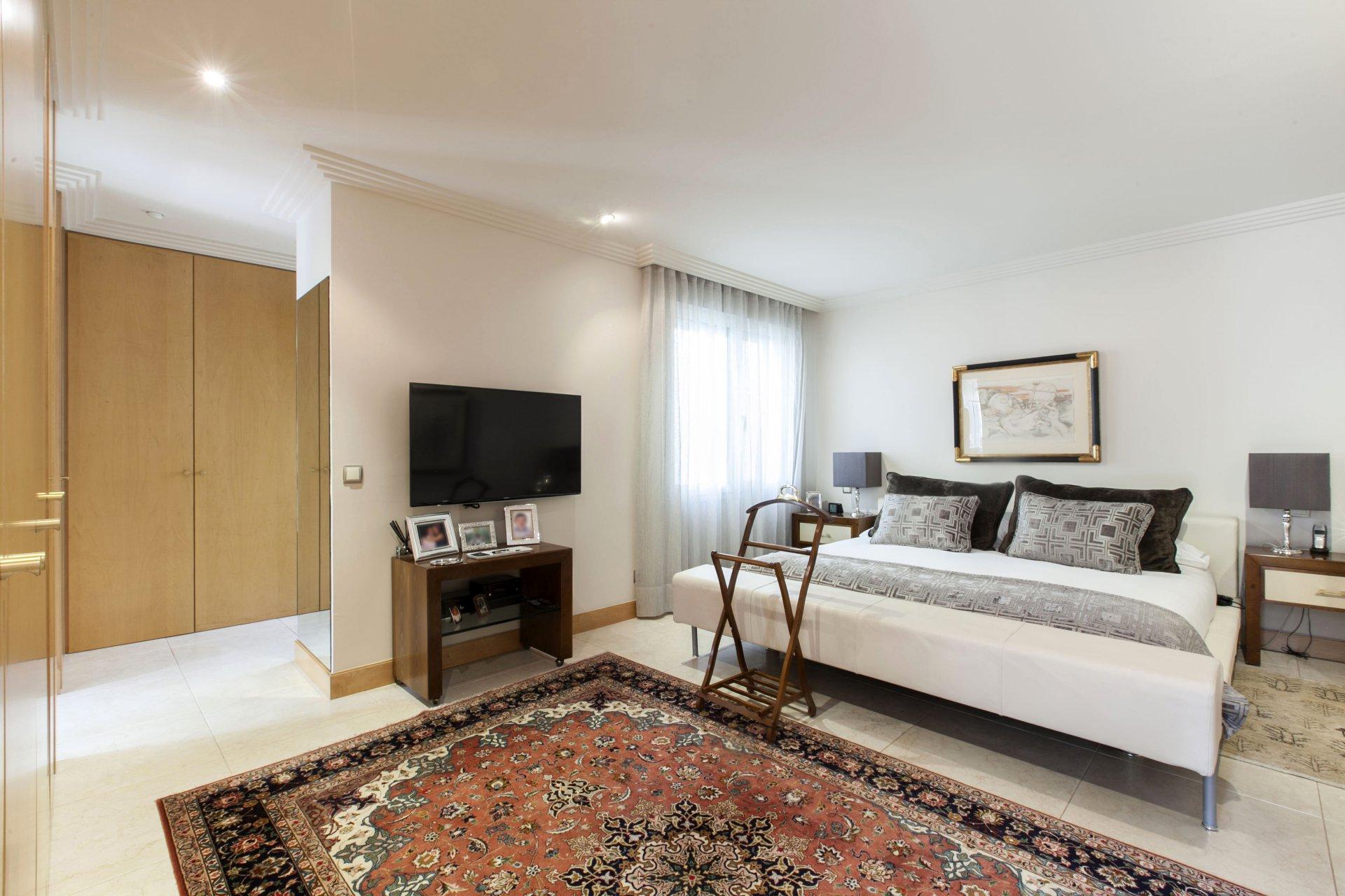 Annuncio vendita villa sul tetto madrid castellana 28000 for Villas 400 salamanca